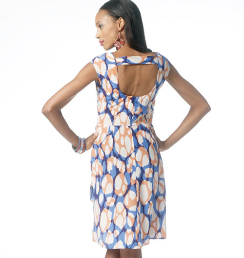 Описание женской модели со схемой и выкройкой - Меланжевое летнее платье с рукавами 3/4 и цветным узором из